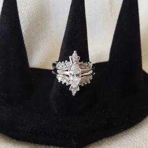 GORGEOUS Avon Silvertone Marquise Ring &Jacket Set